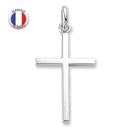 Croix catholique en argent