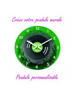Horloge murale personnalisable fond vert translucide
